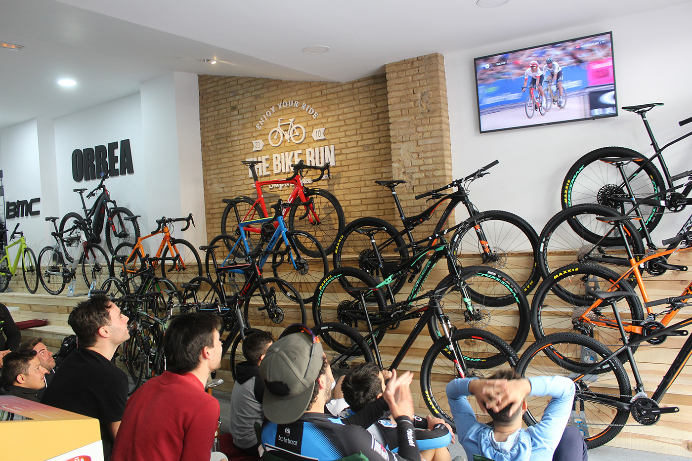 Tienda especializada en cinismo, The Bike Run